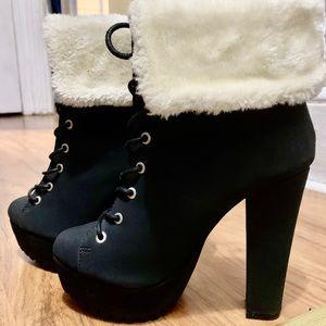 Heel combat boots with mink fur